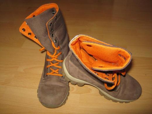 Stiefel Größe 34