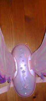 """Barbiekleid mit Zauberstab und Magische Musikflügel aus dem Film """"Barbie und der geheimnisvolle Pegasus"""" - Neuenkirchen (Kreis Steinfurt)"""