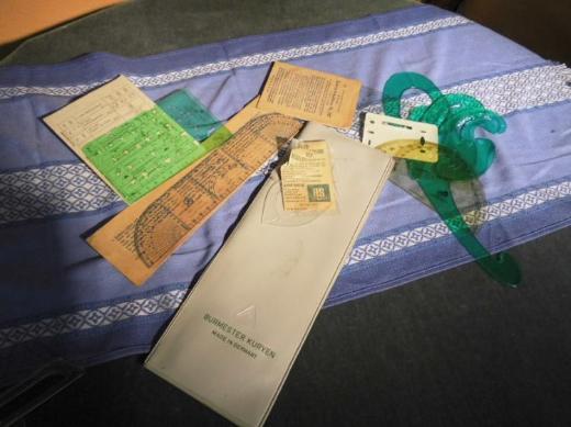 Kunststofftasche mit Schablonen diverser Hersteller 1970 aus der ehemaligen DDR