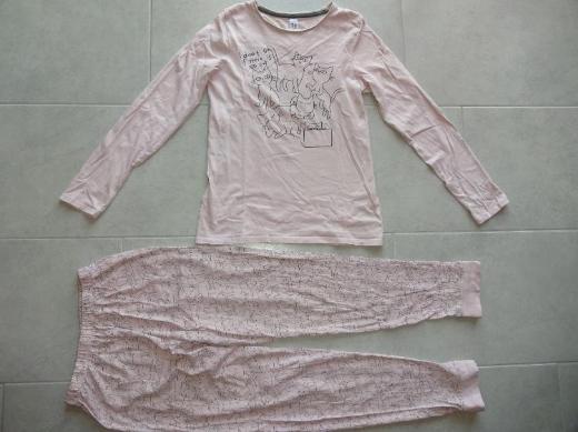 Mädchenschlafanzug mit Katzenmotiven zu verkaufen *Größe 170*