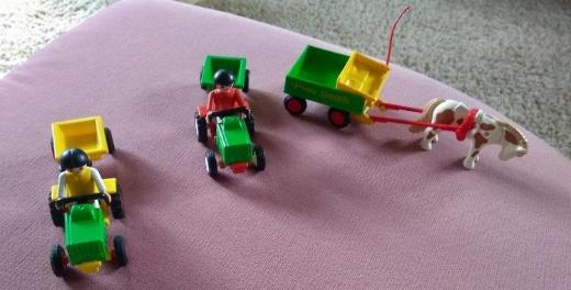 Playmobil, Bauernhof-Figuren u. Traktoren
