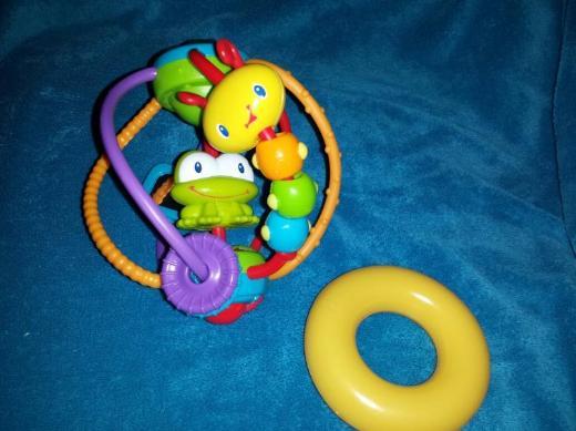 Babyspielzeug Rassel.