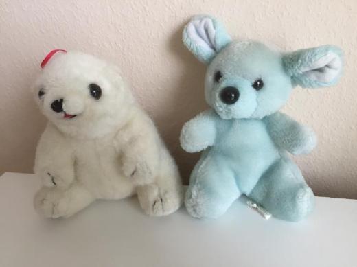 Eisbär und Teddy Stoff- / Kuscheltiere
