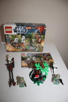 Lego StarWars 9489 Endor Rebel Trooper ... Battle Pack