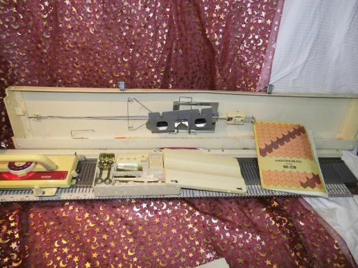 Strickmaschine Brother Modell KH-230 / Bedienungsanleitung / Handarbeitszubehör