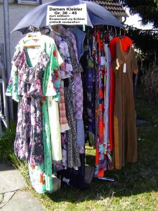 Damen Kleid Kleider Second Hand Shop Fasago Tunsel Frühling Sommer