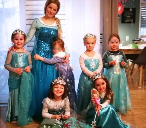 Prinzessin zu Kindergeburtstag, Kinderfest, Kinderparty buchen in Herford, Minden, Bünde, Bielefeld, ganz OWL und Osnabrück mit KidsEffekt