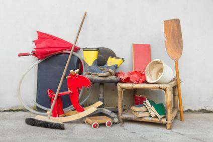 Bild Nachbarschaftshandel - Kinderspielzeug auf dem Flohmarkt