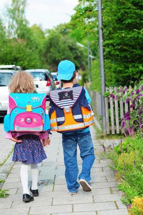 Bild Schulkinder mit Schulranzen