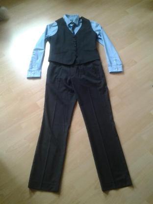 Verkaufe Weste, Hose inklusive Hemd und Krawatte