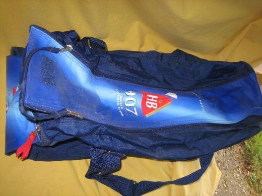 HB 907 Zigarettenmarke dunkelblaue Sport-/Reisetasche neuwertig; Werbeartikel