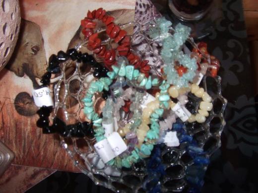 Heilsteinketten, Anhänger und Armbänder