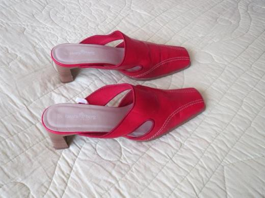Schuhe, Pantoletten, Gr.37, rot, von Laura Berg
