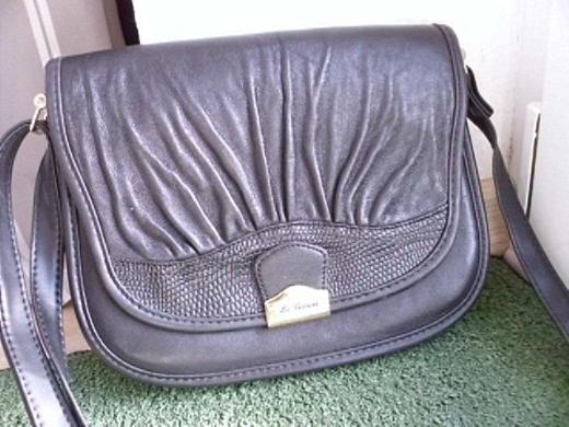 C&A La Toscana Leder Handtasche Schultertasche schwarz Damen Tasche 9,-