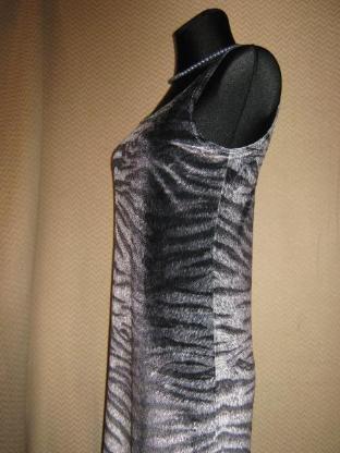 "NEU* Sexy * Animal- Style * Samt * Etui- Kleid ohne Arm ''Fifi Mod"" Gr. 38- 40/ S- M, grau- silber*"