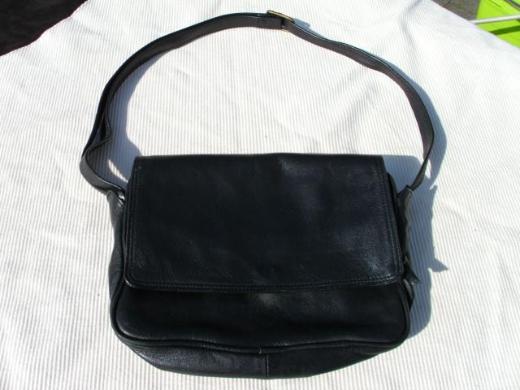 Borella Leder Handtasche Damen Schultertasche schwarz 10,-