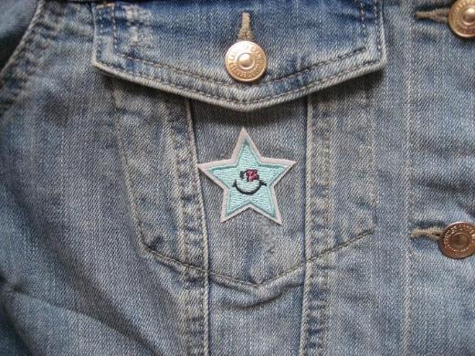 L.O.G.G. Kurze Damen Jeansjacke Gr. 40 mit Patches, Neuwertig!! - Baunatal