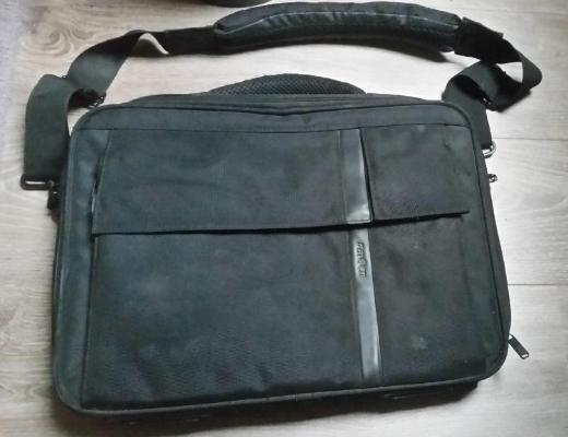 Notebooktasche Pataco CCF-2 43,2 cm (17 Zoll), schwarz