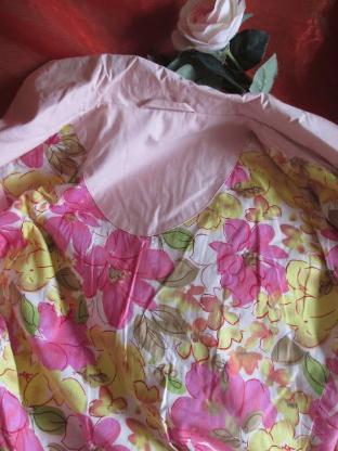 NEU * DESIGNER * Trench Coat * Mantel * mit Blüten * Blumen Flower- Power Futter * Gr. 38- 40/ S- M, rosè- rosequarz- pink *