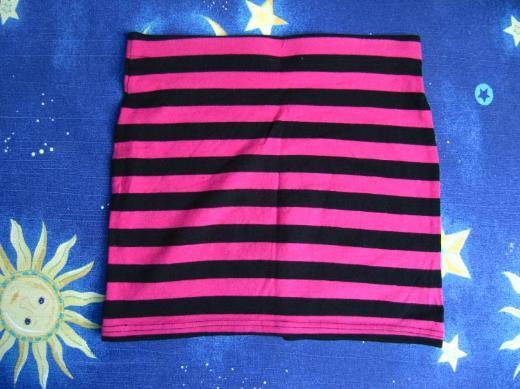Rock, pink-schwarz gestreift, Größe 152/158, neu und ungetragen
