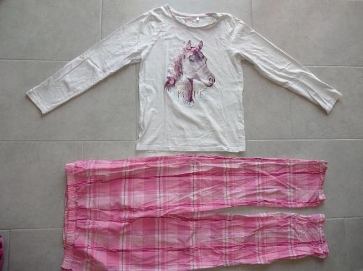 neuer Mädchenschlafanzug mit Pferdemotiv zu verkaufen *Größe 170/176*