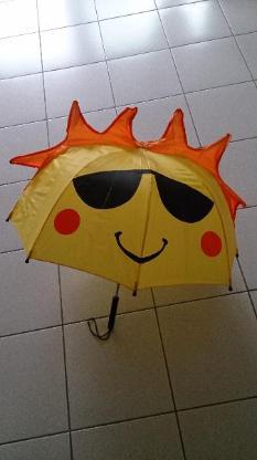Witziger Kinderregenschirm
