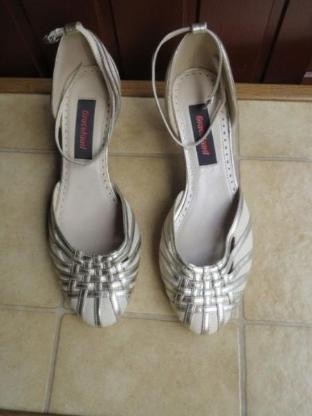 Schuhe, Pumps, Gr.37, Leinen mit gold