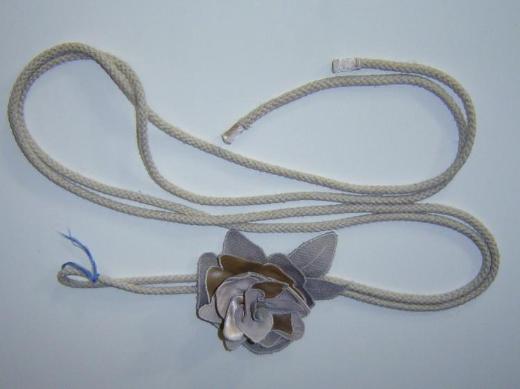 Damen Schlingen Gürtel mit Blüte one size bis 100cm Textil grau beige - 259