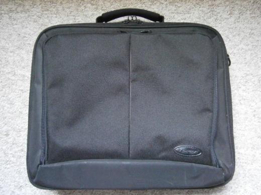 """Notebook- / Laptoptasche 14"""" - 15"""" Marke """"Targus"""" gebraucht (677)"""