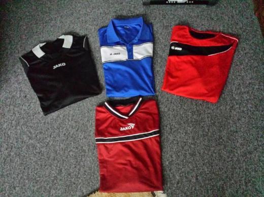 Sportshirts  in Größe XXL . Setpreis für alle 4.