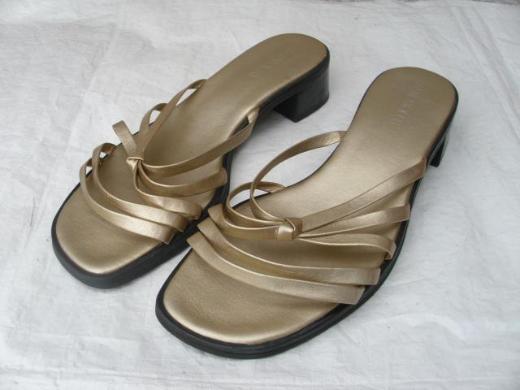 Aerosoles Pantolette Sandale Gr. 6 ½ goldfarben Damen Schuhe 15,-