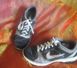 """NEU* Damen * Trainings Sport Hallen Lauf Schuhe Sneaker """"NIKE"""" Air Max Fit * Original * Gr. 39/ 6 schwarz- silber - Riedlingen"""