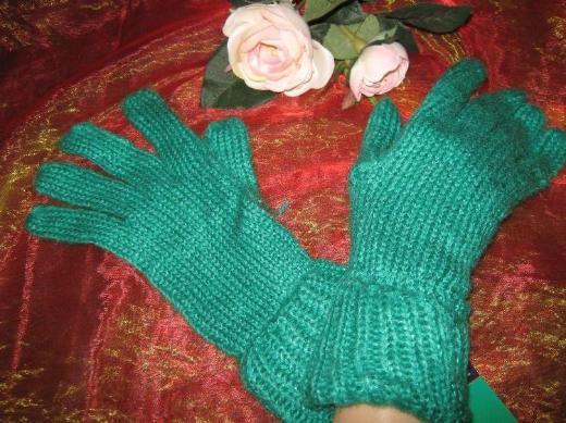 NEU mit Etikett* Edle * Designer * Glitzer * Kuschel * Grob- Strick * Finger- Handschuhe, grün *