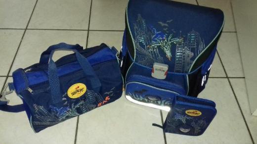 Schulranzen mit Sporttasche und Schulmäppchen zu verkaufen
