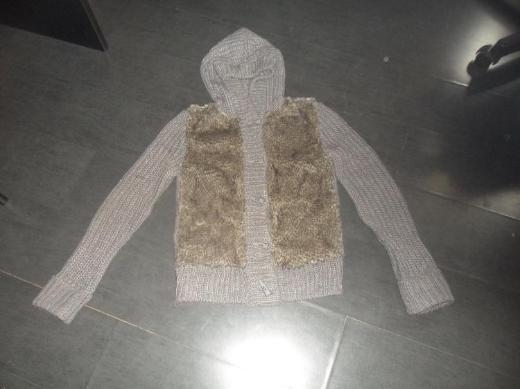 Wolljacke mit Pelz und Kapuze