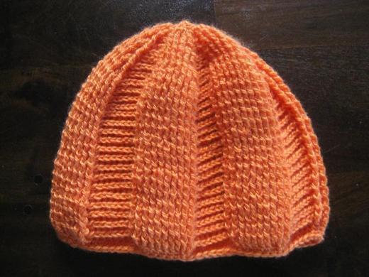 Handarbeit gehäkelte Mütze orange