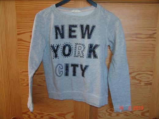 H & M Sweatshirt hellgrau schwarzer Glitzeraufdruck - Gr. 170