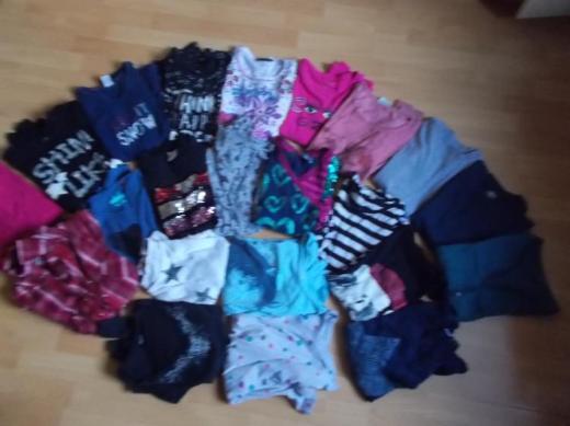 17 Langarmn Shirts + 1 Desigual Kleid + 4 Shirts für Mädchen in 158 / 164