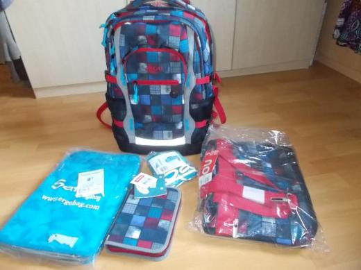 4 You Jump Schulrucksack Set 5 Teilig Squares Blue , Red Neu !