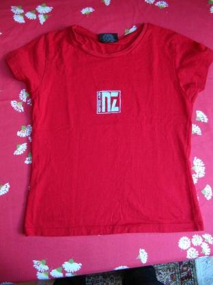 T-Shirt,rot, original aus Neuseeland, Größe S/8, neuwertig - Mülheim an der Ruhr