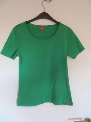 grünes T-Shirt, Größe M von manguun, neuwertig - Mülheim an der Ruhr