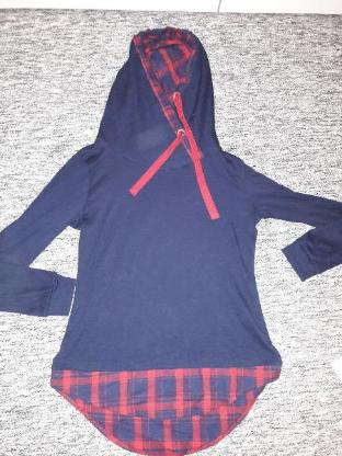 Pulli Pullover GR M Damen Pullover mit Kapuze in blau kariert