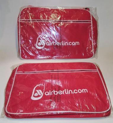 airberlin Umhängetasche rot mit Trageriemen