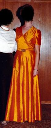 Abendkleid, lang,  aus Thai-Seide, Gr. 40