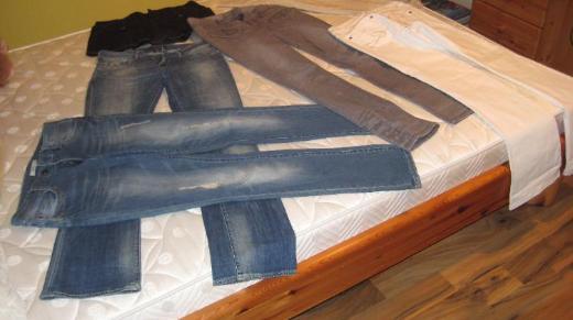 4 Marken-Jeans von Esprit u. Maison Scotch zum Schnäppchenpreis!!!